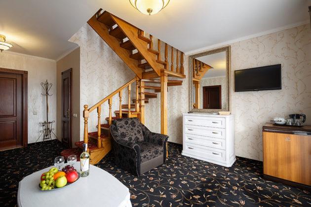 Готель Ведмежа Гора, номер люкс комфорт, фото 2