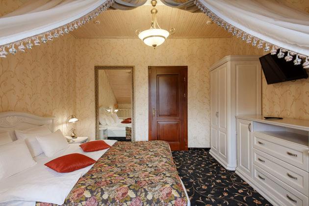 Готель Ведмежа Гора, номер люкс комфорт, фото 7