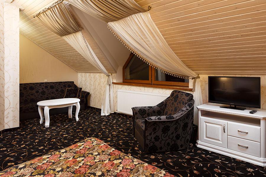 Готель в Карпатах, номер напівлюкс комфорт, фото 2